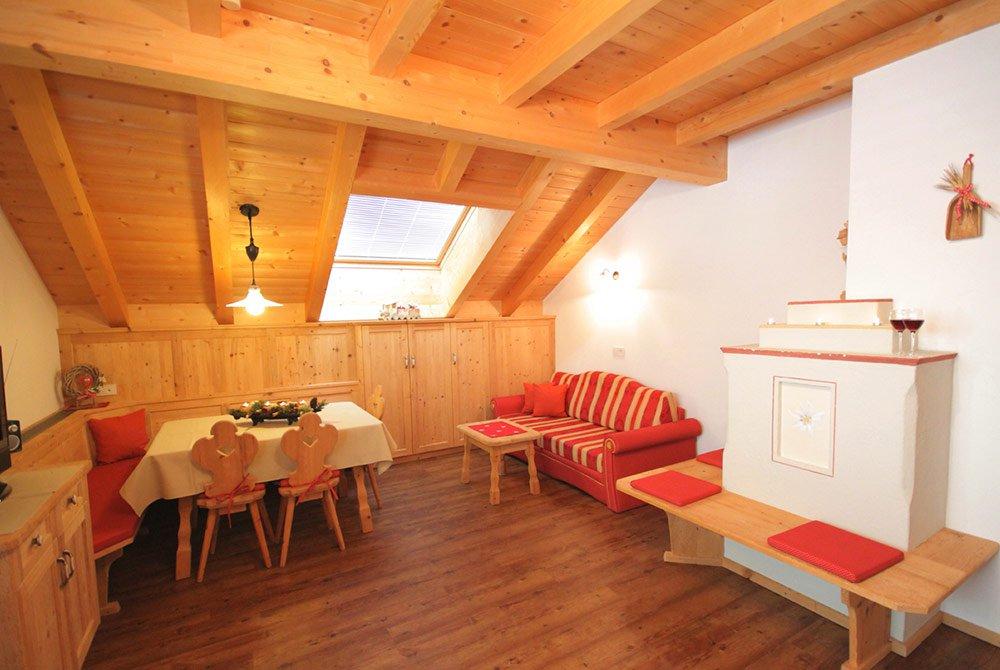 Vivere con piacere il perfetto clima interno dell'appartamento a Monguelfo-Tesido