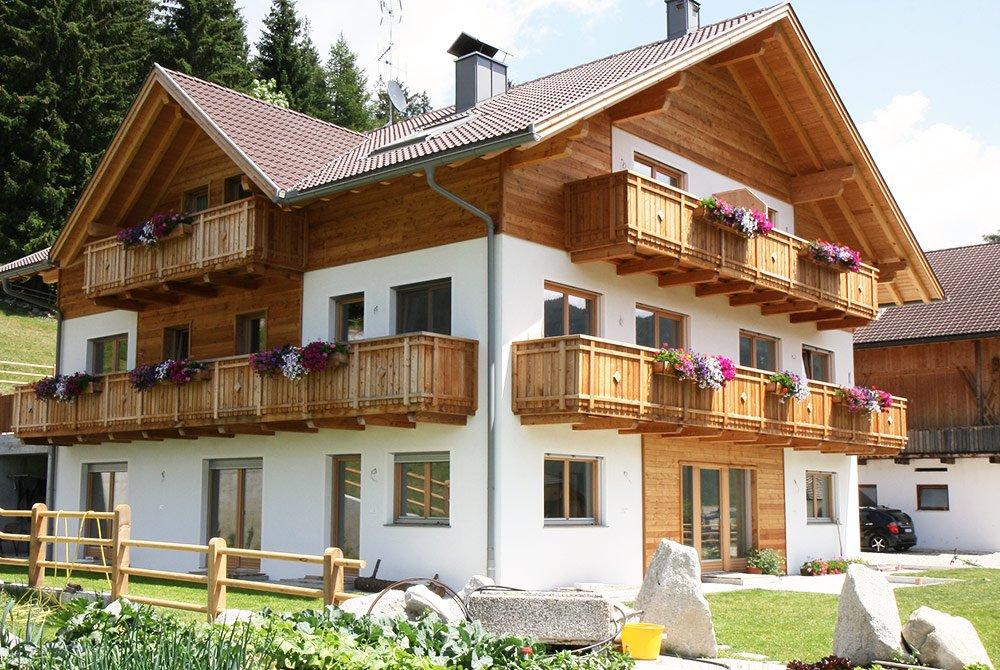 Urlaub auf dem Stoffnerhof - Idyllische Ferienwohnungen in Welsberg-Taisten